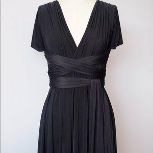 Dresses & Skirts - Black infinity dress